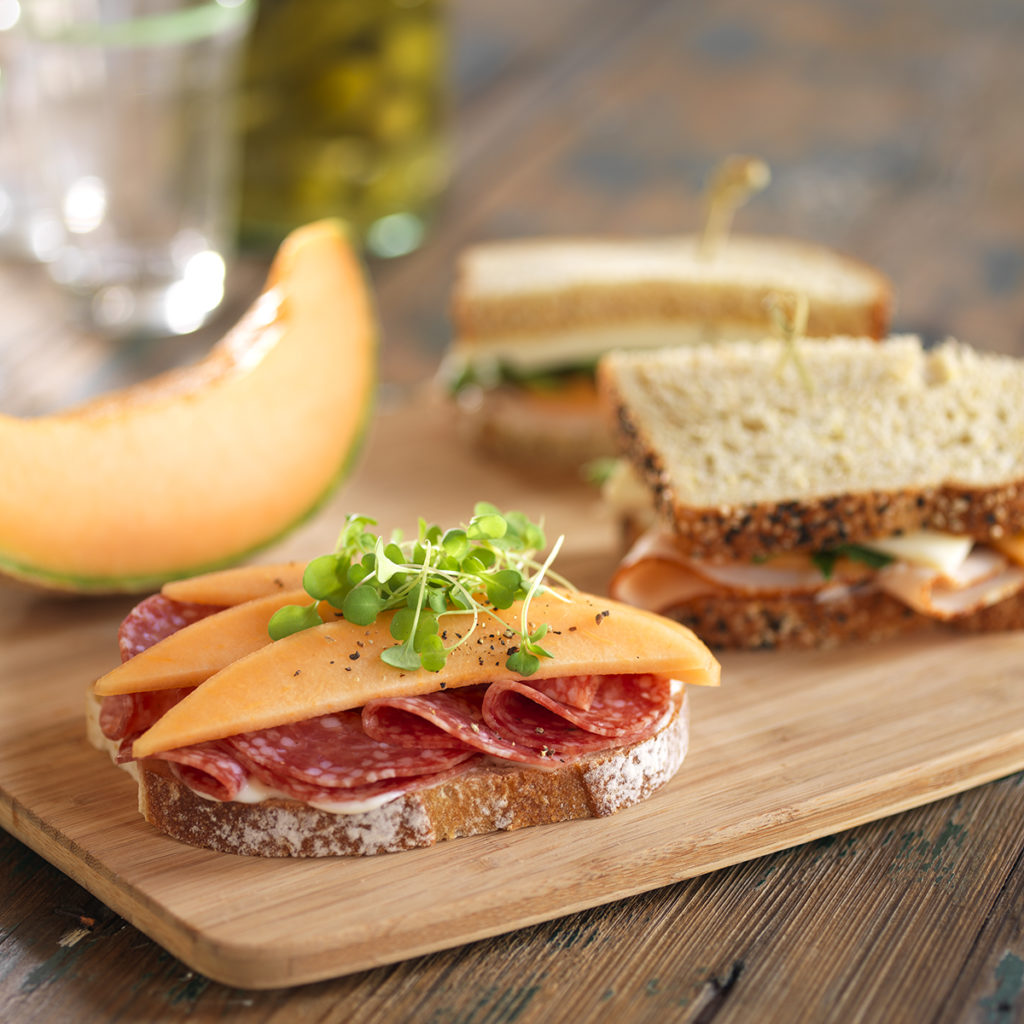 cantaloupe-salami-sandwich_9751_reduced